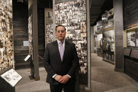 纽约犹太人大屠杀纪念馆馆长格利克曼。