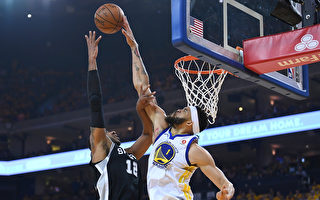 NBA季后赛开战 勇士胜马刺 猛龙赢奇才