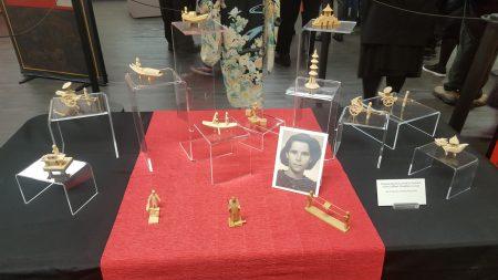 葉哈迪斯在上海收藏的木製模型。