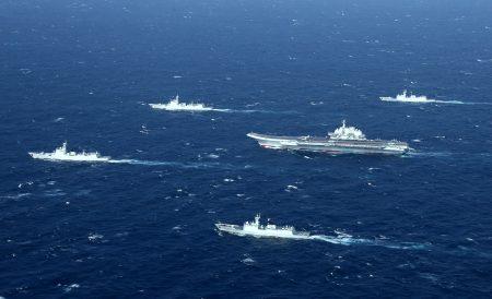 中共18日将在台湾海峡进行实弹射击军事演习,并在相关海域实施临时禁航。图为中共海军。