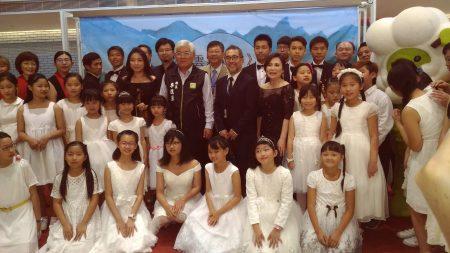 云林县政府11日于亲民空间举行《云雾森林》词曲授权记者会。