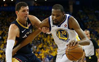 NBA勇士轻取鹈鹕 获第二轮首胜