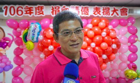 分离术捐血达1800次的陈志锽先生认为,与其说捐血救人,其实是捐血救自己,为了达到捐血标准体况,他努力运动维持健康。