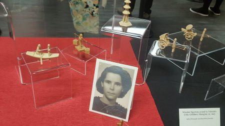 叶哈迪斯在上海收藏的木制模型。