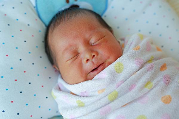 北京快三下注技巧:出生便历经磨难 女婴九个月时第一次笑了
