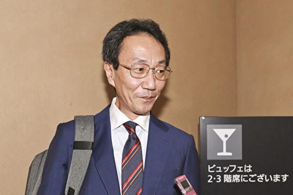 社会福祉法人玛丽的理事北岸秀介(Kitanishi Syusuke)表示,以后绝不会错过神韵演出。(余钢/大纪元)