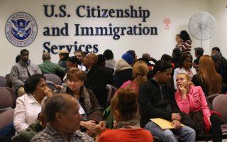 擔心身分受影響 美一些移民棄領政府救濟