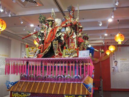 """本次特展首度结合云林县内代表台湾意象的""""艺阁与布袋戏""""。"""