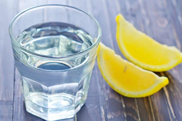 中医师:喝水太多 反而可能咳嗽不愈、痰增多