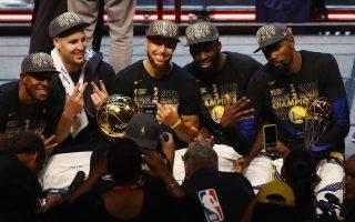NBA勇士老板无视豪华税 将续约冠军班底