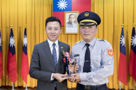 二分局警员吴身权当选模范警察