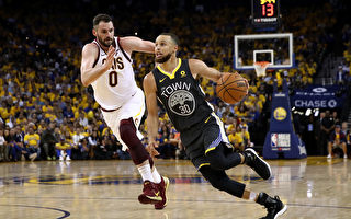NBA总决赛:勇士轻取骑士 夺主场二连胜