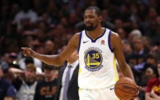勇士再胜骑士 距卫冕NBA总冠军一步之遥