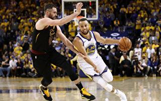 NBA总决赛首场 勇士主场加时赛击败骑士