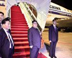 6月10日,金正恩乘坐中方提供的专机抵达新加坡。川金会12日结束当天,他再乘坐该机返回朝鲜。(Getty Images)