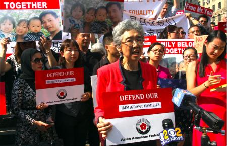 多各亚裔社团派代表前来支持游秀清的家人。