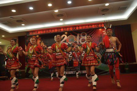 花莲县联合丰年节活动下周五登场,原住民甜心及勇士邀大家一起来共舞。