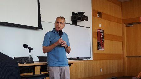 纽约法律智库司法实验室主席普奇特(Rob Precht)8日在第二届人权律师节上。