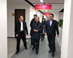 左:投融家CEO陈荣正;中:拱墅区委常委、区委统战部部长赵红;右:投融长富董事长李振军(投诉者提供)