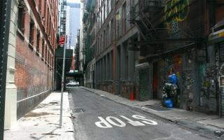 紐約華埠小巷常被警匪片取景 難脫不良印象