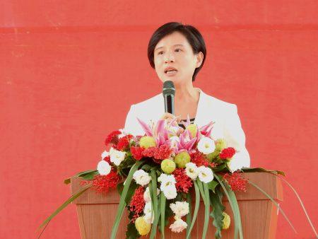 文化部长郑丽君表示,为了丰沛无形资产,预算的编列将成长3倍,达3亿元,获得结业的艺生们,透过演出,未来每个月可以有3万元的收入。