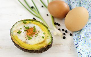 半颗酪梨、1颗蛋 教你做出高营养早餐