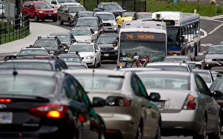 聯邦擬推出清潔燃料新標準,對亞省經濟發展影響重大。(加通社)