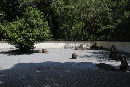 石庭-枯山水,席坐静观。