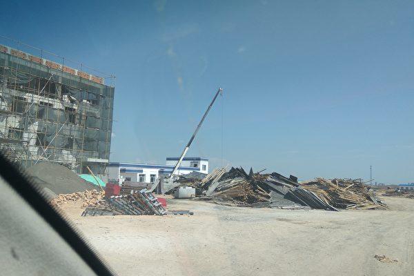 【新闻看点】谎言戳穿 新疆职业中心有数千警棍电棒手铐