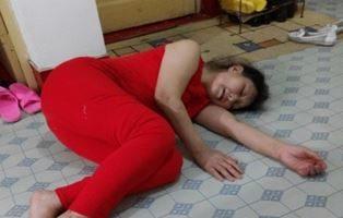 探亲遭绑架 七旬女教师被迫害致五脏衰竭