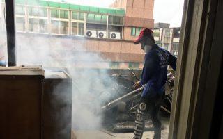 防登革热疫情新北16日除蚊日 清理家户积水容器