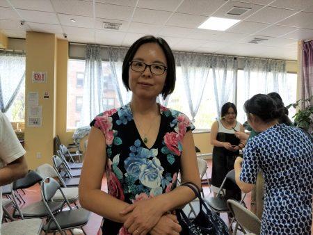 家長趙澎與丈夫出席造勢大會,用行動與捐款支持艾維樂。