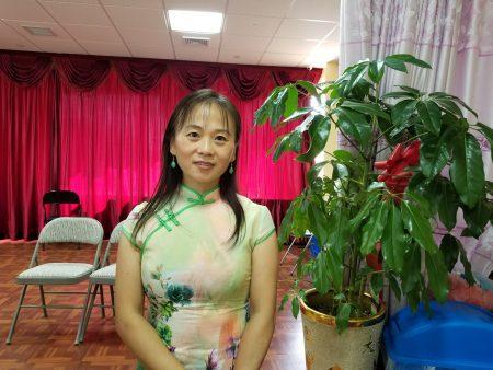 居民聯盟11選區的組織者胡小媛呼籲第11選區的華人選民,8月17日前完成選民登記,9月13日踴躍去投票。