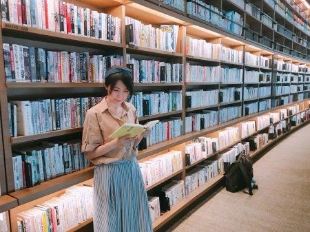 武雄市图书馆是日本知名的文青景点。
