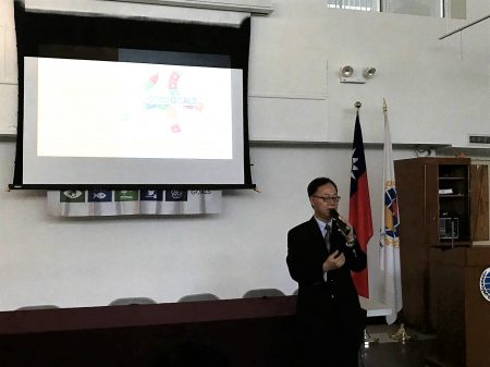 台湾高雄大学校长王学亮指出,校园实践永续发展不仅能拓展学生知识和能力,也能让他们在SDGs议题上积极采取行动。