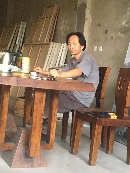 大陆人权艺术家王鹏和他老家平谷的画室。(王鹏提供)