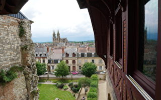 神奇豪宅 隱身百年再現法國貴族生活傳奇