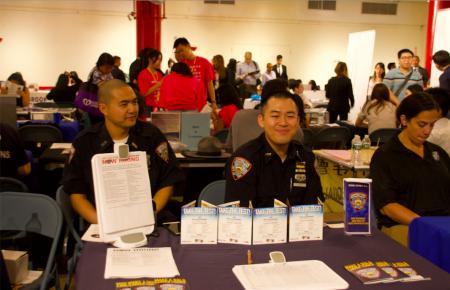 紐約市多家州、市政府機構都在「亞太職業日」設攤位招聘。