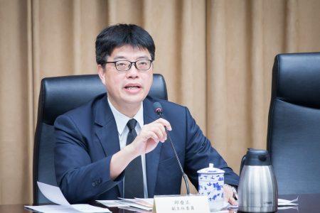 """陆委会副主委邱垂正9月6日出席""""壮大台湾八大策略-因应中国大陆对台31项措施""""成果报告记者会。"""