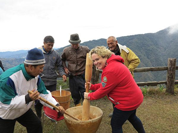 美籍导游爱台 带外籍游客看见原住民部落美