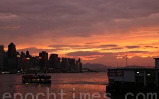 組圖:山竹來襲 港天空現絢麗火燒雲