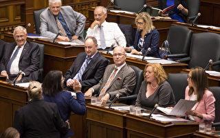 反对削减市议会立法 NDP言行过激被议长驱逐
