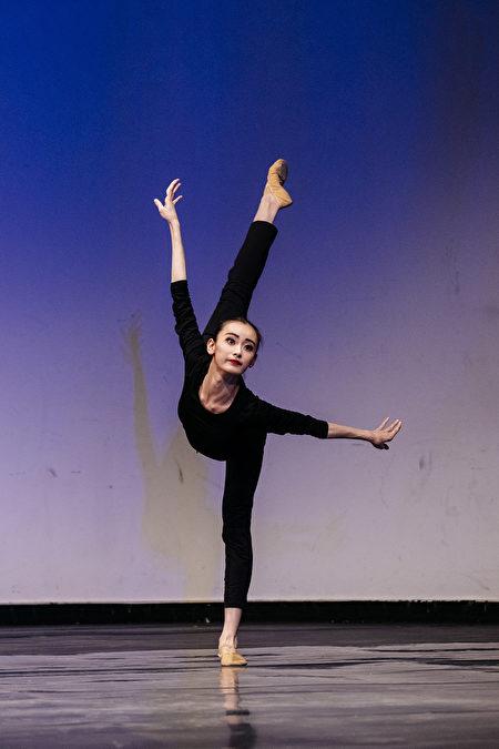 第八屆「全世界中國古典舞大賽」的少年女子組金獎得主黃悅。(愛德華/大紀元)