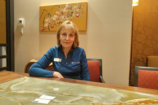 圖:理財公司BlueShore副總裁凱瑟琳(Catharine Downes)。(攝影:陳雨/大紀元)
