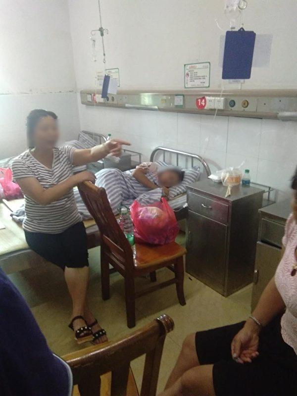 在赣州市医院就诊的孩子和他们的家长。(受访者提供)
