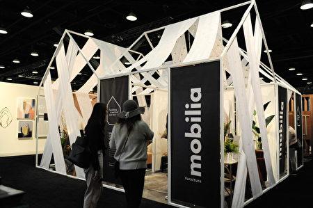 在溫哥華室內設計展IDS上,由蒙特利爾Mobilia設計的造型。(童宇/大紀元)