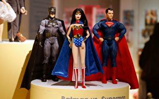 马国男子叫蝙蝠侠拖地 超级英雄变佣人?