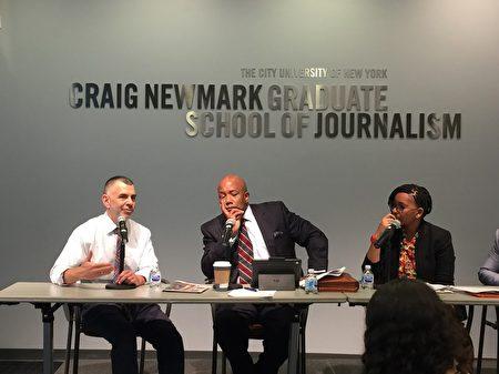 9月27日纽约医管局新任总裁卡茨(左一)到城市大学和少数族裔媒体见面。