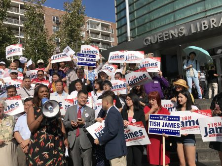 詹乐霞承诺如果当选纽约州总检察长,将维护移民的权利、并为消费者和儿童权益发声等。