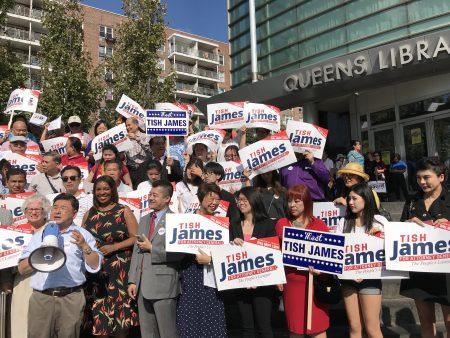纽约市议员顾雅明到场为詹乐霞站台。